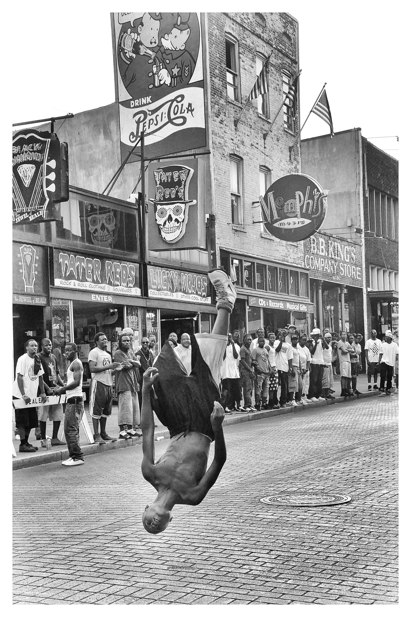 Street performer on Beale Street in Memphis